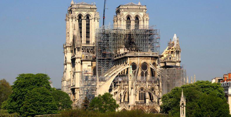 Perierga.gr - Μέσα στην Παναγία των Παρισίων - Σπάνιες εικόνες και λεπτομέρειες της επιχείρησης ανακατασκευής του ναού