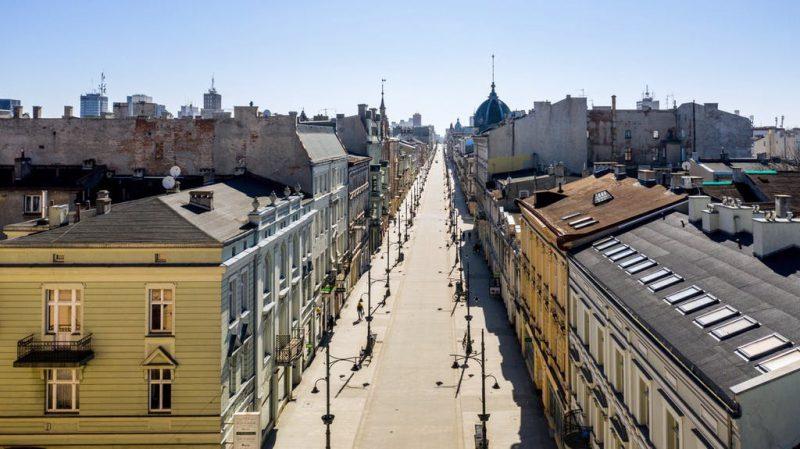 Perierga.gr - Άδειοι δρόμοι και πλατείες που στερούνται ζωής
