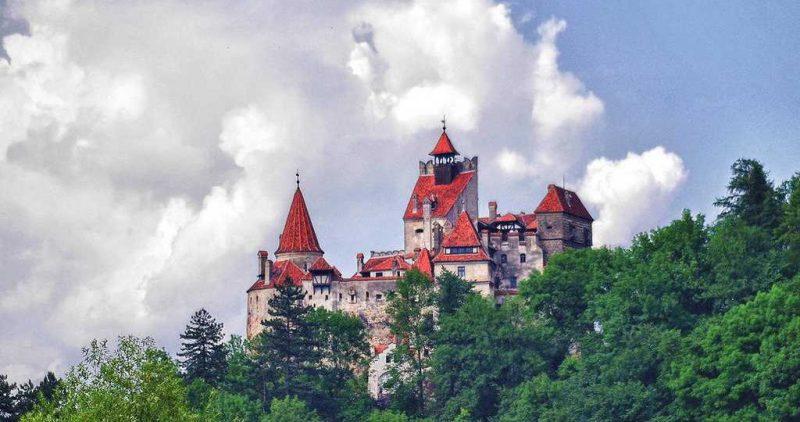 Perierga.gr - Εικονική περιήγηση σε 8 διάσημα κάστρα και παλάτια