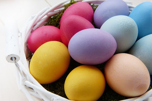 Perierga.gr - Βάψτε τα πασχαλινά αυγά με φυσικές βαφές!