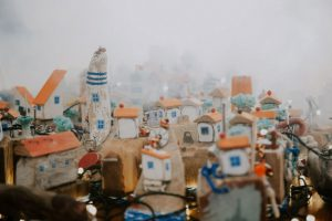 "Perierga.gr - ""Πόλεις"" μινιατούρες από σκουπίδια"