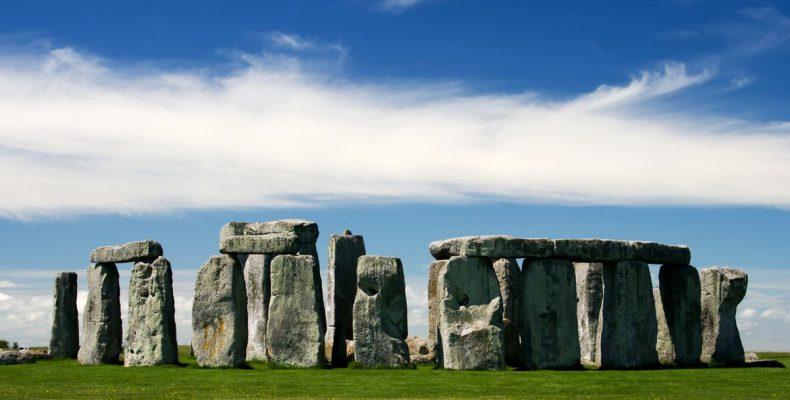 Perierga.gr - Ανακαλύφθηκε νεολιθικό μνημείο κοντά στο Στόουνχεντζ