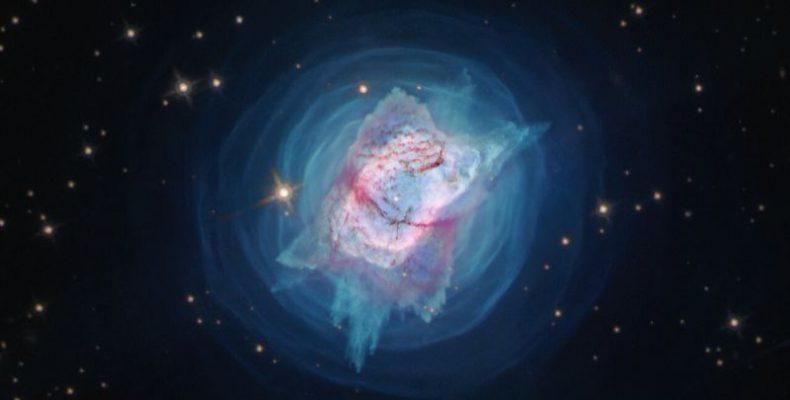Perierga.gr - Νεφέλωμα Πεταλούδα και νεφέλωμα Σκαθάρι: Εντυπωσιακές εικόνες της NASA