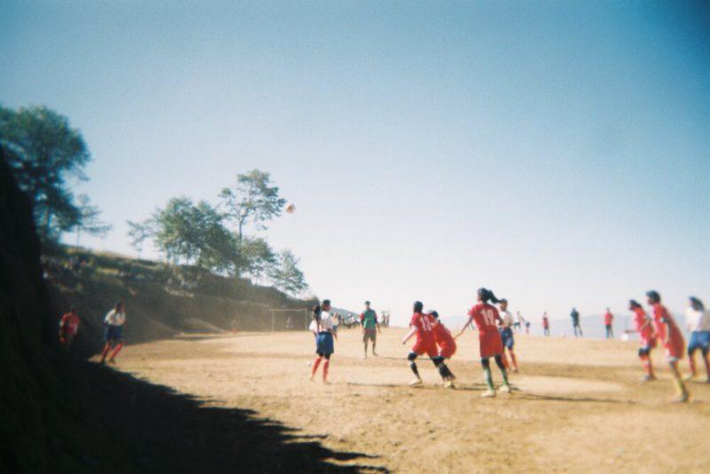 Perierga.gr - Τουρνουά ποδοσφαίρου... στην κορυφή του κόσμου!