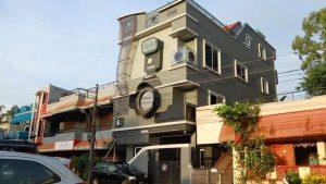 Perierga.gr - Περίεργο σπίτι σε σχήμα φωτογραφικής μηχανής